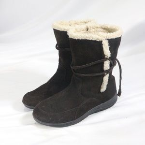 WHITE MOUNTAIN Brown Suede Fully Lined Boots
